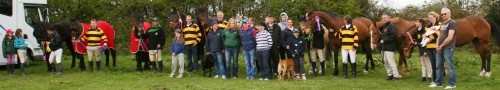 cropped-letterkenny-competitors-and-supporters-at-flowerhill_7427.jpg